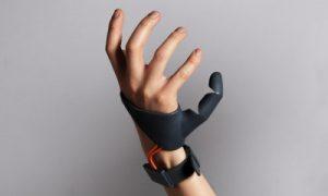 ابتكار جديد.. نموذج لإصبع سادس في يد الإنسان