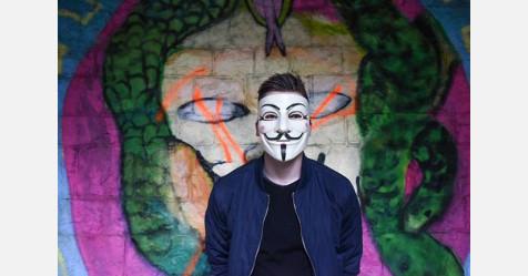 هاكرز OurMine يخترقون موقع ويكيليكس