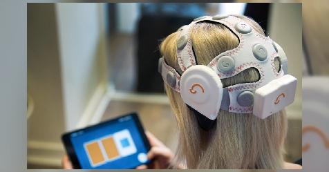 سماعات تكشف علامات الخرف المبكرة عن طريق مسح موجات الدماغ
