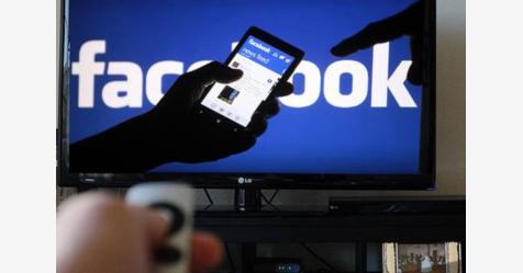 """ورطة جديدة: فيسبوك يسجل مكالماتك وتفاصيل """"مخيفة"""""""