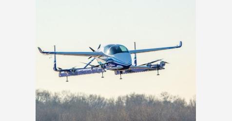 """شركة بوينغ تعلن نجاح """"سيارتها الطائرة"""" ذاتية القيادة"""