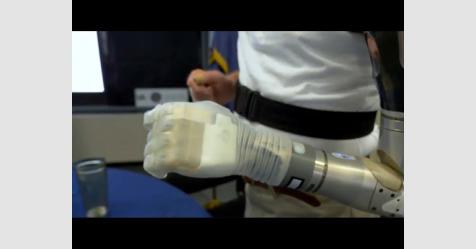 سويدية تبتكر يد روبوت قادرة على الإحساس والتمييز