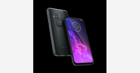 إطلاق هاتف Motorola One Zoom بكاميرا خلفية رباعية بسعر منافس
